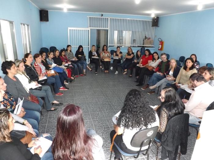 20171213-reuniao-com-professores-foto-por-lucas-miranda-009 - 675x900