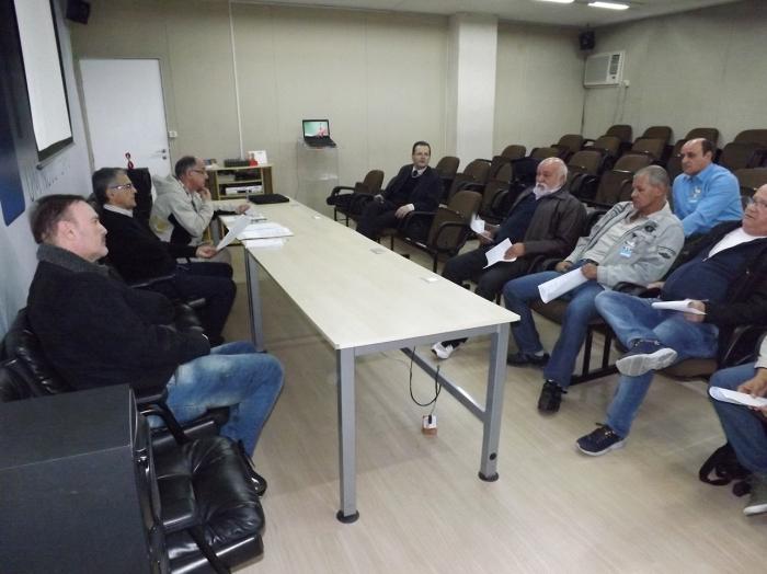 20180712-reuniao-de-negociacao-campanha-salarial-sindserv-maua-foto-por-lucas-miranda-002 - 964x1286
